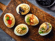 Рецепта Пълнени (фаршировани) варени яйца с риба аншоа и жълтъци